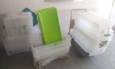 あきる野市でプラスチック製の衣装ケースを回収処分